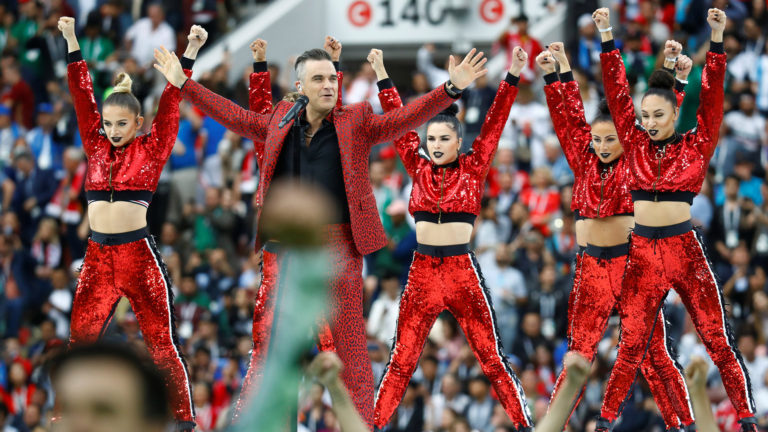 Soccer Football - World Cup - Opening Ceremony - Luzhniki Stadium, Moscow, Russia - June 14, 2018 Robbie Williams performs during the opening ceremony REUTERS/Kai Pfaffenbach
