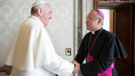 epa06954251 A handout photo made available by Vatican Media shows Pope Francis (L) with Venezuelan Roman Catholic archbishop Edgar Robinson Pena Parra, Vatican City, 17 August 2018. Pope Francis named him Substitute for the Secretariat of State on 15 August 2018, effective 15 October.  EPA/VATICAN MEDIA HANDOUT  HANDOUT EDITORIAL USE ONLY/NO SALES